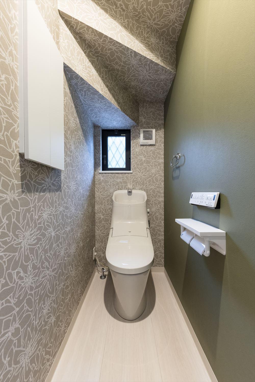 モダンな空間に仕上った1階トイレ
