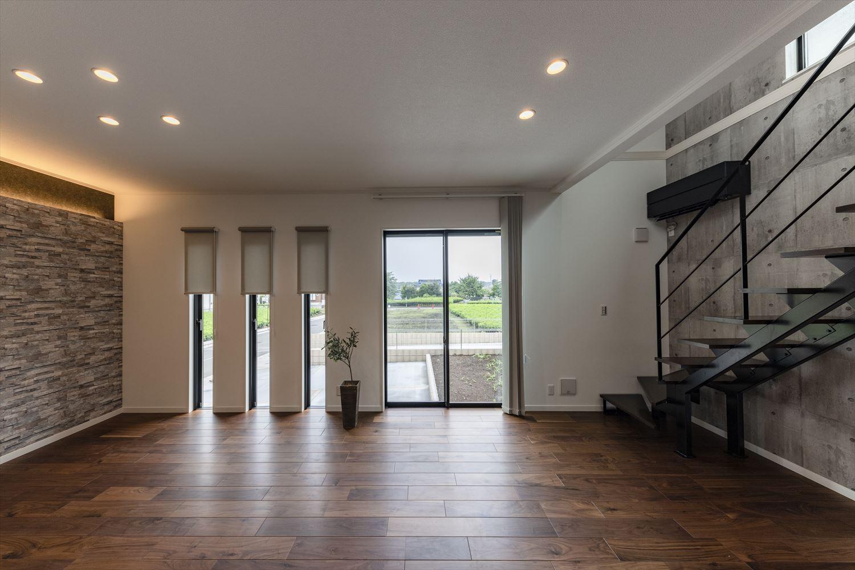 1階はハイスタッド仕様(CH:2680mm)ゆとりある空間がより室内を魅力的に。
