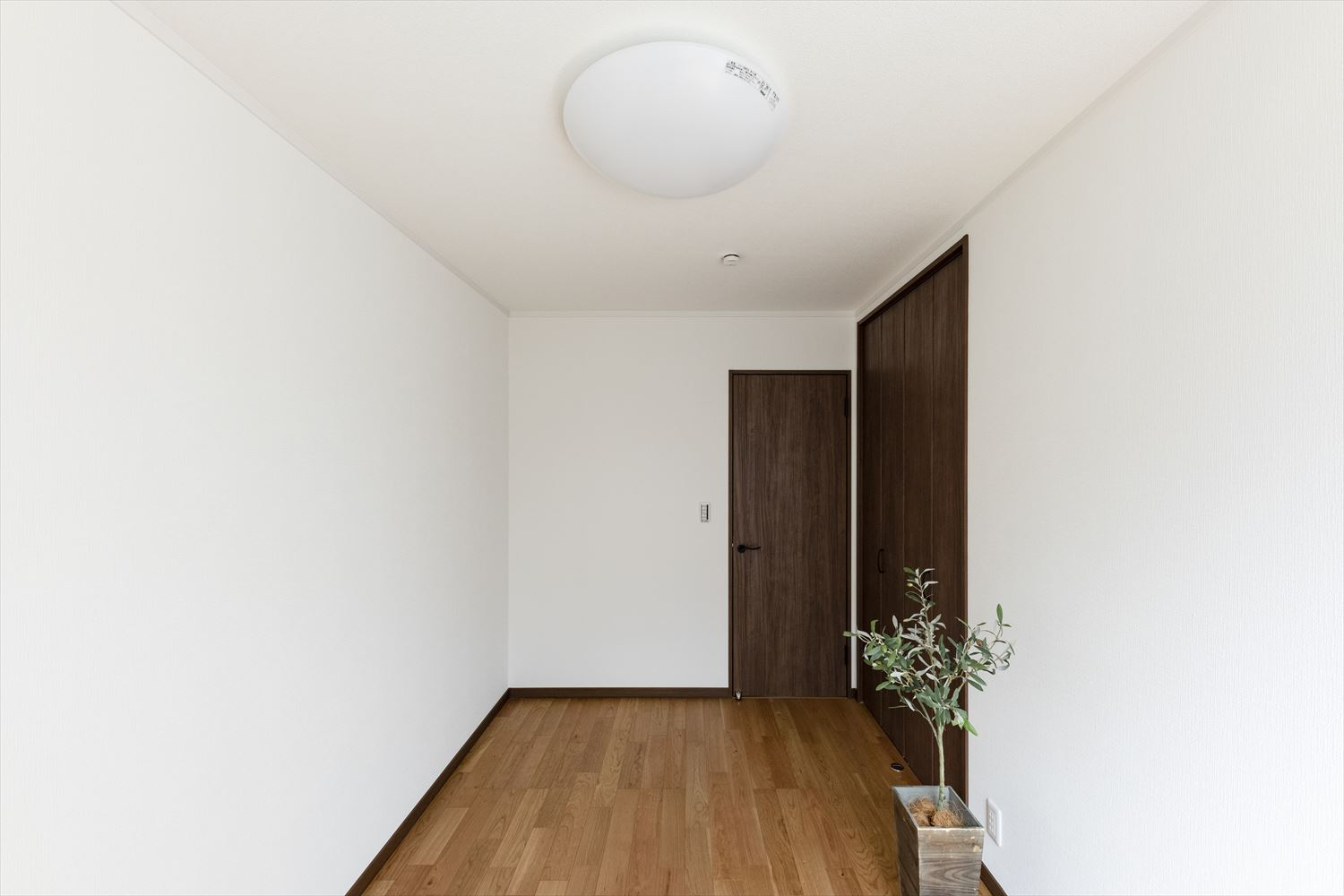 Simple is the best! 使い勝手と心地の良い、落ち着いた住空間に