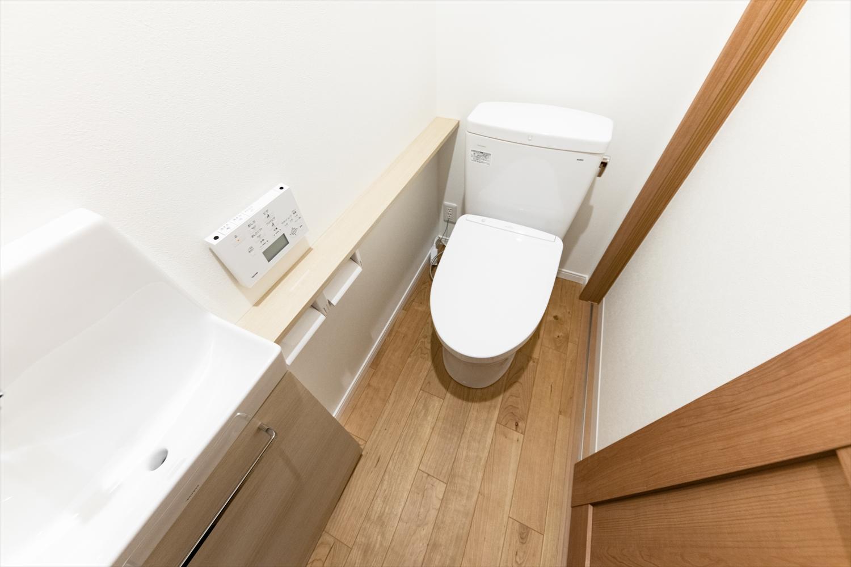 手洗いを設置した使い勝手のよい2階トイレスペース