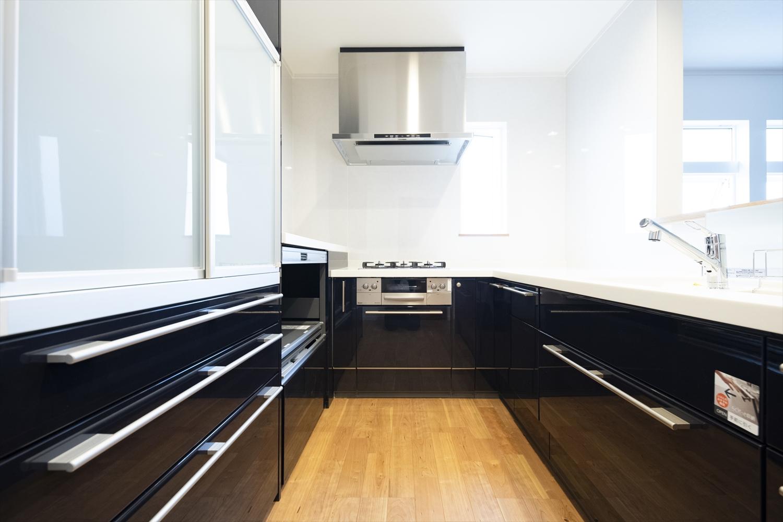 2階、LDK/かっこよく、上品な印象のキッチンスペース
